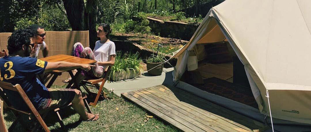 equipamentos indispensaveis para acampar