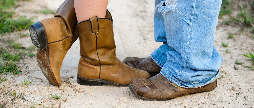 Encontrar o par ideal pode ser mais fácil quando se procura no lugar certo.  Os cowboys que estão em busca de cowgirls para preencher os seus corações  podem ... 9bd2a412e92